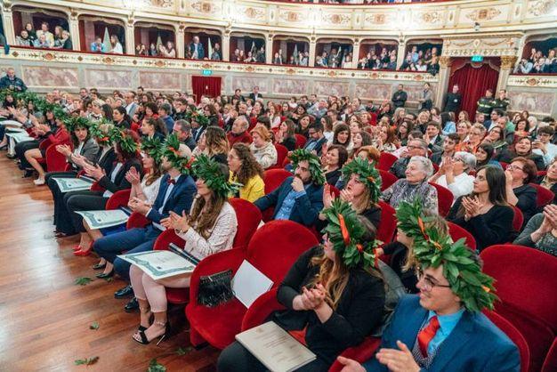 Una cerimonia emozionante, un traguardo importante per 33 nuovi dottori in infermieristica (Foto Zeppilli)
