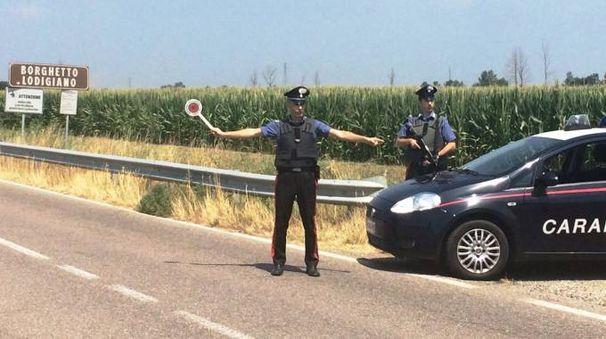 Una pattuglia di carabinieri della compagnia di Codogno