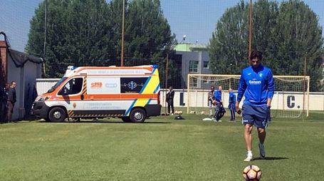 Malore per Buchel all'allenamento dell'Empoli: l'ambulanza che lo ha soccorso