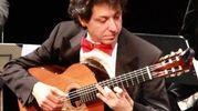 Lissone, il chitarrista Roberto Porroni