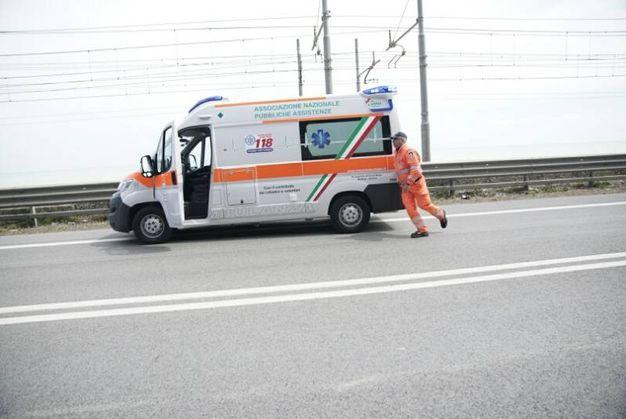 L'incidente si è verificato intorno alle 12.30 lungo la statale adriatica su territorio comunale di Pedaso (Foto Zeppilli)