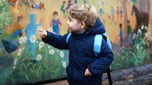 Il principe George di Cambridge nella sua scuola montessoriana – Foto: PHOTOSHOT
