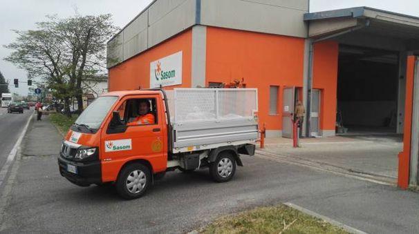 La società si occupa della raccolta differenziata e del trasporto di rifiuti