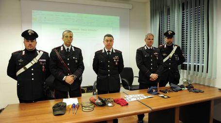 Finti carabinieri, la merce sequestrata (Foto Fiocchi)