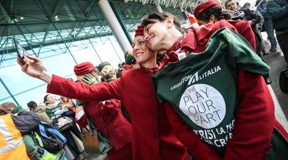 Foto d'archivio di uno sciopero Alitalia (Imagoeconomica)