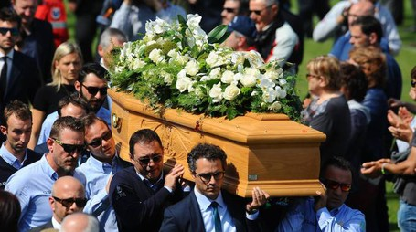 I funerali di Michele Scarponi (LaPresse)
