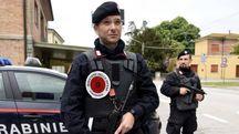 I carabinieri impegnati nelle ricerche (foto Businesspress)