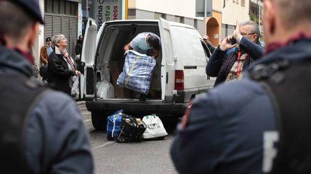 Lo sgombero dell'ex hotel (Cabras / New Press Photo)