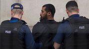Londra, arrestato un uomo con due coltelli: sospettato di terrorismo (Lapresse)