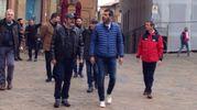 La visita dei responsabili della serie tv in piazza dei Priori