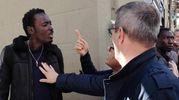 Abusivismo commerciale, protesta in San Lorenzo (foto Mori-Cabras/New Pressphoto)