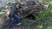 Il giaciglio di legna dove si è rifugiato Igor (foto Businesspress)