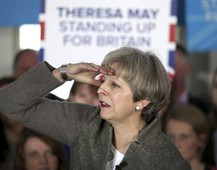 La premier britannica Theresa May (Ansa)
