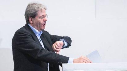 Paolo Gentiloni vota per le primarie (Imagoeconomica)