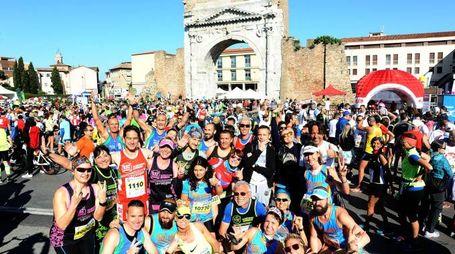 Foto di gruppo della maratona (foto Migliorini)
