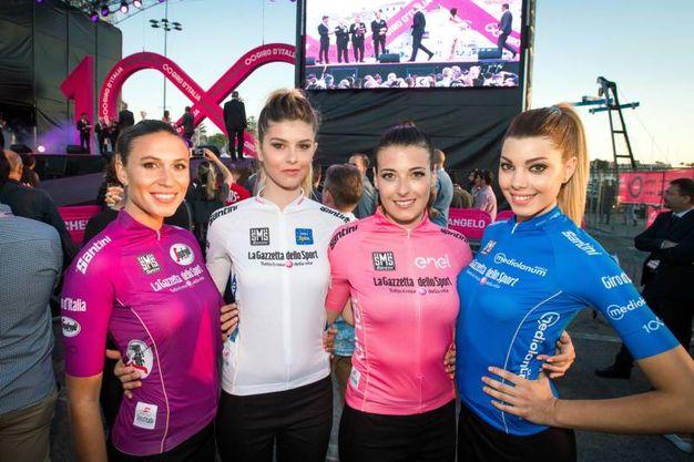 Le maglie del Giro d'Italia (LaPresse)