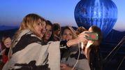 Selfie durante il party (Afp)
