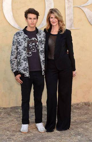 Laura Dern con il figlio Ellery (Afp)
