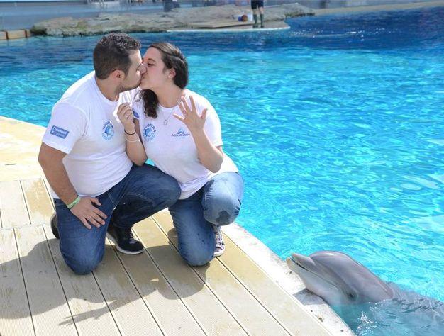 Bacio tra Simone e Marta