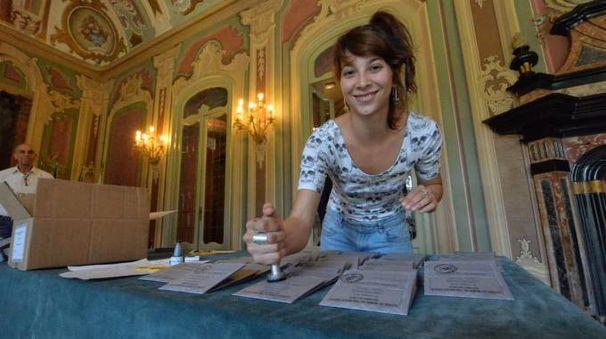 L'organizzazione voleva prendersi l'appalto  per l'allestimento delle cabine elettorali  nell referendum del 4 dicembre