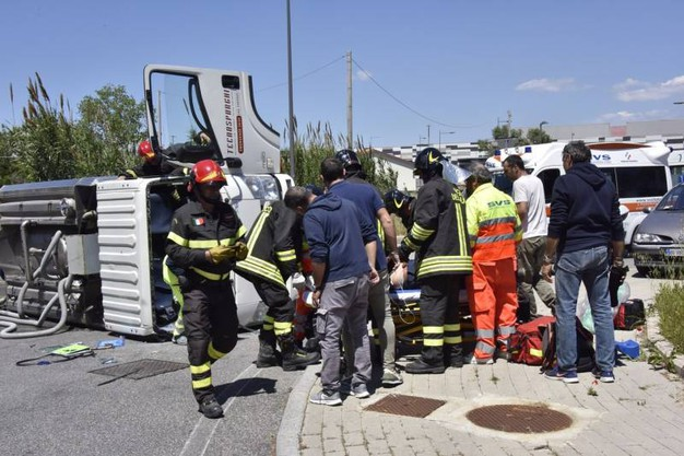 La scena dell'incidente (Foto Novi)