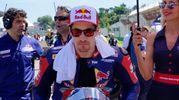 Nicky Hayden sulla griglia di partenza della Superbike a Imola (Foto Lapresse)