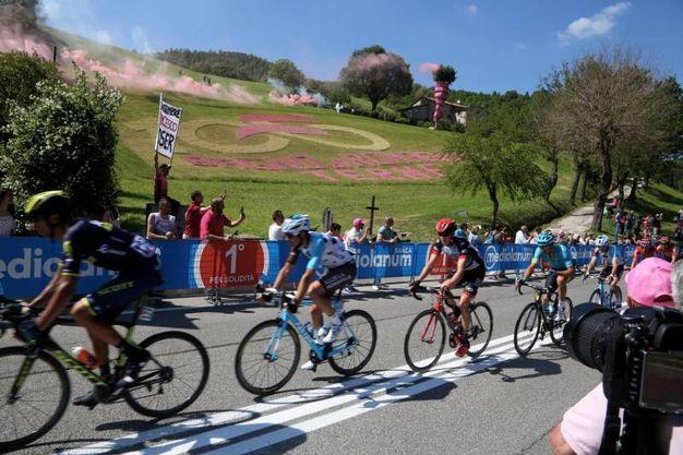 Giro d 39 italia 2017 bagno di romagna vestita di rosa le foto sport - Mtb bagno di romagna ...