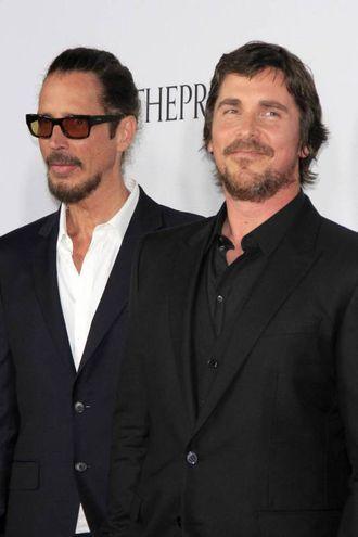 Chris Cornell con Christian Bale alla premiere di The Promise, di cui fu autore della colonna sonora (Olycom)