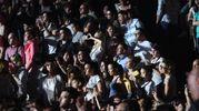 In delirio il pubblico presente (foto Schicchi)