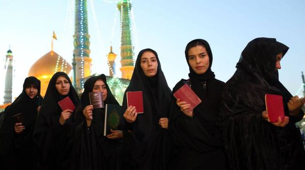 Code per votare in Iran (Afp)