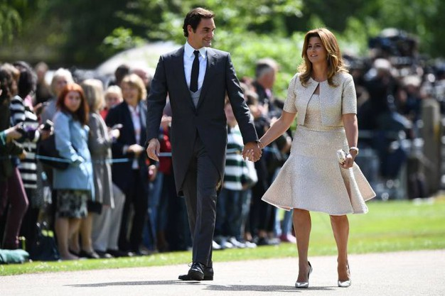 Il tennista Roger Federer con la moglie Mirka (Afp)