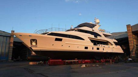 """Lo yacht """"Lady Lillian"""" a Viareggio"""