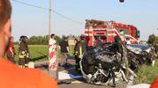 La Clio su cui viaggiavano Paolo Busardò e Nadia Carloni è stata completamente distrutta (IsolaPress)