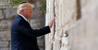Donald Trump al Muro del Pianto (Afp)