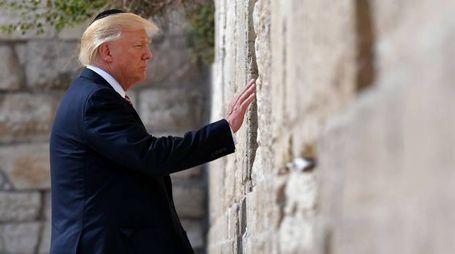 Donald Trump al Muro del Pianto (Afp)