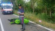 La moto a terra. Sul posto la Polizia stradale