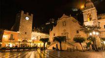 Taormina, piazza IX Aprile – Foto: helovi/iStock