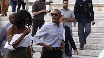 Barack e Michelle Obama a passeggio per Siena (Ansa)