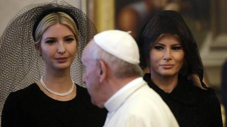 Melania e Ivanka Trump da Papa Francesco (Ansa)