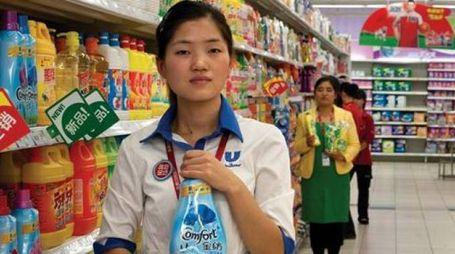 MEGASTORE In città si sono moltiplicati i grandi punti vendita di casalinghi e abbigliamento gestiti da cinesi
