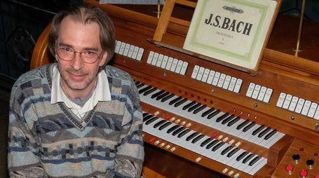 Roberto Mucci organista della basilica di Santa Maria Maggiore di Bergamo (Newpress)