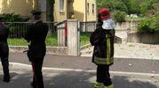 La palazzina di via Don Bonzi con vigili del fuoco e carabinieri