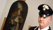 Il San Nicola di Bari rubato nella Basilica dei Servi e recuperato dai carabinieri (Ansa)