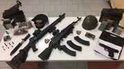Le armi sequestrate all'uomo arrestato