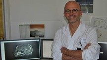 Il neurochirurgo Francesco Cacciola