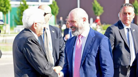 Mattarella arriva a Mirandola, accolto da Bonaccini  (Foto Fiocchi)