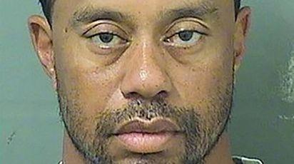 La foto segnaletica di Tiger Woods, arrestato in Florida (Afp)