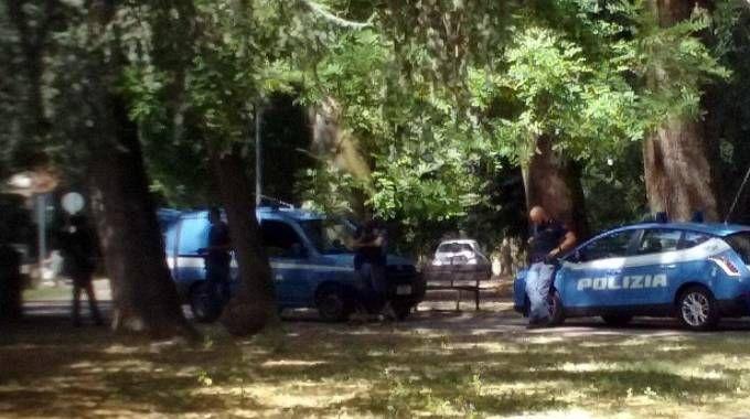 Controlli di polizia in zona Gad (repertorio Businesspress)