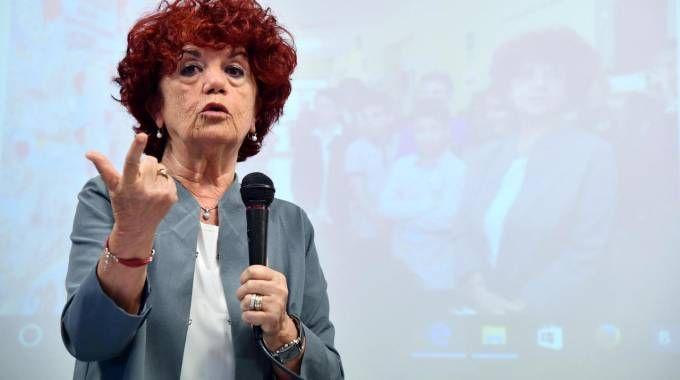 Il ministro dell'Istruzione Valeria Fedeli (Ansa)