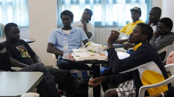Alcuni dei profughi ospitati nei comuni della zona